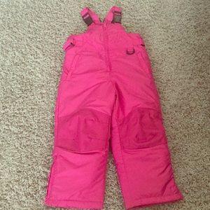 Girls size 5 pink snowsuit!